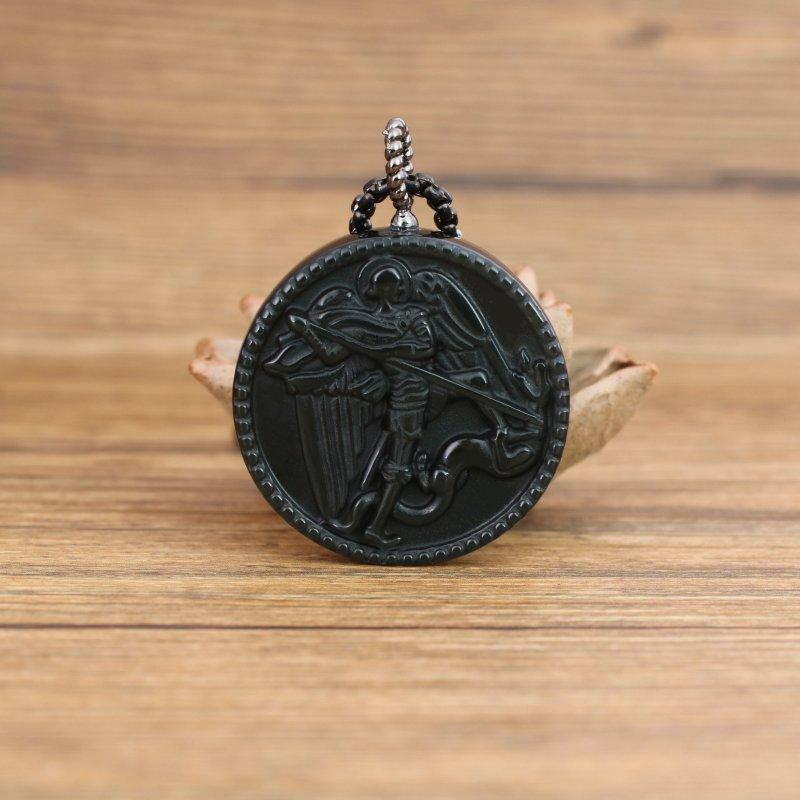 COAI Pendente in Ossidiana Nera con San Michele Intarsiato Collana Pendente da Uomo in Pietre Naturali